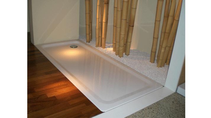 piatto doccia con canne di bambù