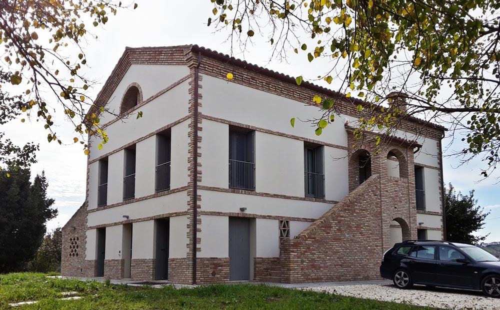 ristrutturazione casolare a Belvedere Ostrense (AN)
